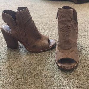 Cute, peep toe block heels